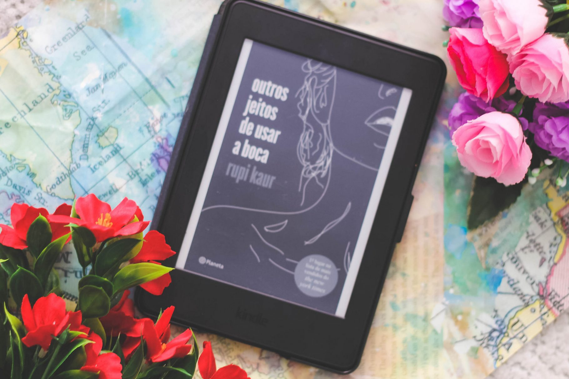 """As verdades na Poesia de Rupi Kaur em """"Outros Jeitos de Usar a Boca"""""""