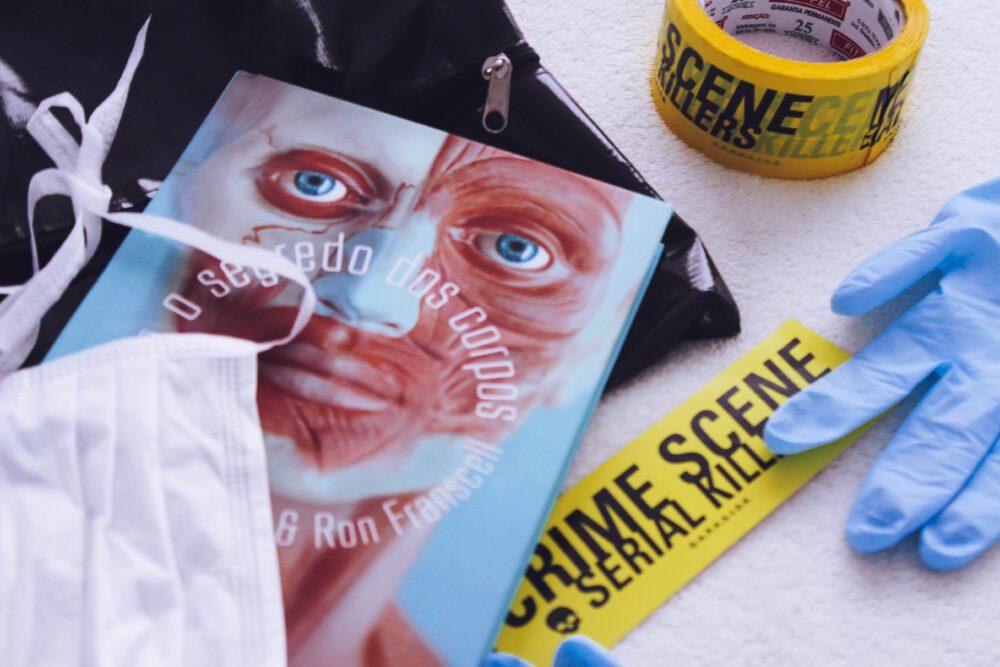 """""""O Segredo dos Corpos"""" e as verdades gravadas em nossos corpos no livro de Ron Franscell e Dr. Vincent Di Maio"""