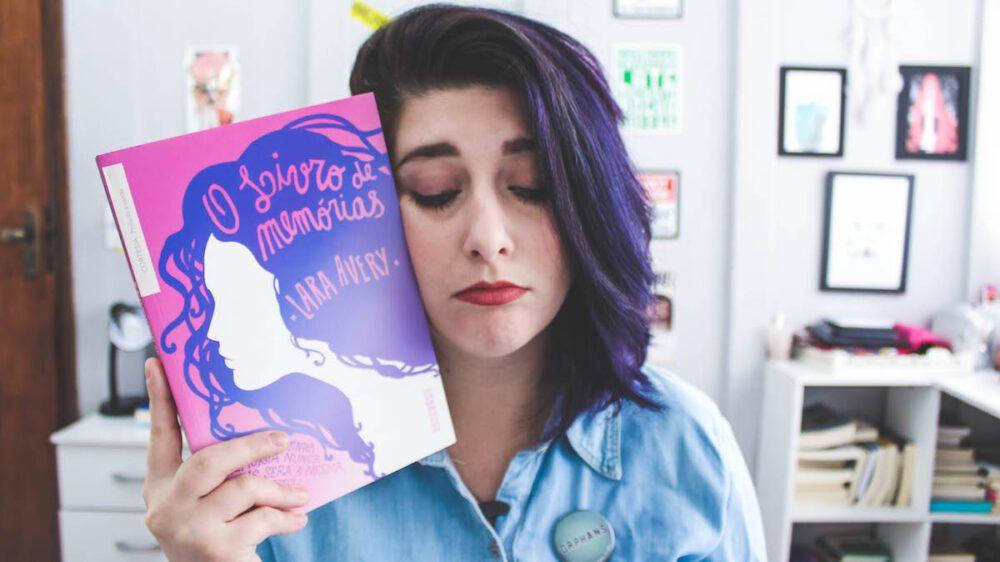 """""""O Livro das Memórias"""" de Lara Avery e nossas lágrimas"""